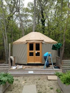 How to build a yurt (in 4 hours). No, not kidding...