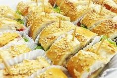 Resultado de imagem para mini sanduiches para festas