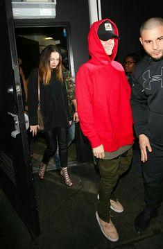 Zayn Malik copia il look a Justin Bieber! - toutes les photos et vidéos Justin Bieber Cap, Justin Bieber Outfits, Justin Bieber Style, Fashion Mode, Hip Hop Fashion, Mens Fashion, Style Fashion, Celebrity Outfits, Swag Outfits