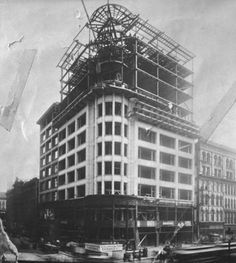 CHICAGO: Construction of the Schlesinger and Mayer Department Store (later Carson Pirie Scott and now Sullivan Center), State and Madison, 1903, Chicago.