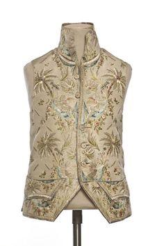 Vest, 1775-1780, France, Taffeta, silk embroidery, cotton lining and silk taffeta. ©Photo Les Arts Décoratifs, Paris / Jean Tholance