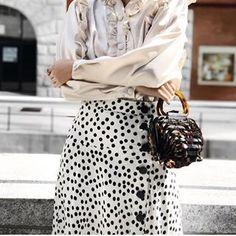 Do the Polka ➰ @itskaykayleigh wearing Zara Polka Dot Skirt ( 3067/185) #zara #polkadots #blackandwhite #cultgaia #zaraskirt #skirt #springstyle #spring #summerstyle #summer #streetstyle #streetwear #streetfashion #casualstyle #casualoutfits #outfits #outfitoftheday #white