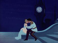 Best Romantic Kisses In Walt Disney movies ~ Cinderella and Prince Charming Disney Movie Rewards, Walt Disney Movies, Walt Disney Characters, Disney Couples, Disney Magic, Disney Pixar, Disney Kiss, Cinderella Prince, Cinderella And Prince Charming