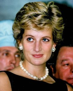 Diana, Princess of Wales likes · talking about this. I'd like to be a queen in people's hearts but I don't see myself being. Princess Diana Family, Princess Diana Pictures, Real Princess, Princess Of Wales, Diana Spencer, Diana Fashion, Royal Fashion, Princesa Diana, Lady Diana