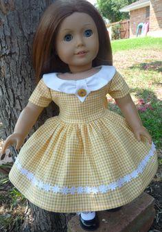 For the Children//Ideas: homemade American Girl clothing American Girl Outfits, American Girl Molly, American Girl Dress, American Doll Clothes, Sewing Doll Clothes, Girl Doll Clothes, Girl Dolls, Ag Dolls, Girl Clothing