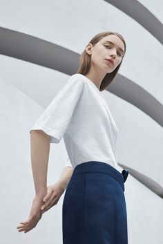 The COS x Agnes Martin capsule collection features 12 menswear and womenswear pieces inspired the painter whose work straddled the abstract expressionist and minimalist movements.