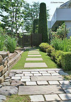 施工例80 Garden Landscaping, Outdoor Living, Sidewalk, Exterior, Landscape, Gardens, Flowers, House, Garden Ideas