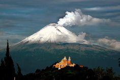 Sopka Popocatépetl (Puebla, Mexico)