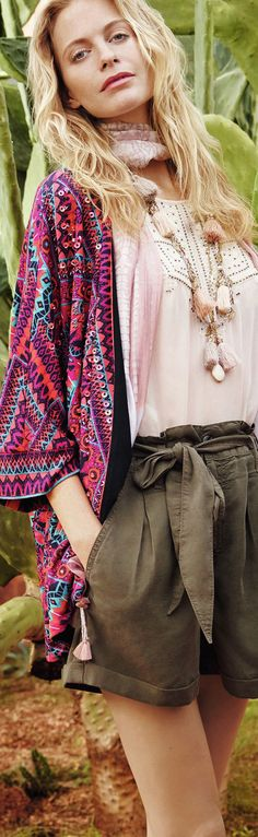 tribal kimono and shorts - a perfect travel look for most spring & summer vacays - article - http://www.boomerinas.com/2015/03/30/southwestern-style-for-spring-summer-in-bend-oregon-fashion-for-mountain-mama-cowgirls/