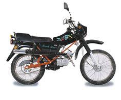 Simson Sperber Beach Racer  Technische Angaben: Motor: Zweitakt-Otto-Motor Hubraum: 49,9 ccm/ 49,9ccm/ 70 ccm Max.Leistung: 1,15kW - 4250 U/min 2,4kW- 5500U/min, 4,1kW- 6000U/min Getriebe/Antrieb: 3 Gang/ 4Gang Bremsen: vorn Trommelbremse, vorn Scheibenbremse (80), hinten Trommelbremse Leergewicht: 87,5 kg zul. Gesamtgewicht: 210/260/260 kg Tankinhalt/Reserve: 8,7Liter/1,0Liter Sitzhöhe: 825mm Farben: royalrot, schwarz