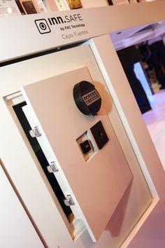 Integra tu caja fuerte como parte del mobiliario