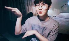 Maternity Photography Props, Dance Photography Poses, Kpop, Jaehwan Wanna One, First Boyfriend, Popular Photography, Lee Daehwi, Korean Couple, Korean Aesthetic