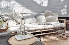 Leuke foto ontvangen met de Bamboe loungebank en het ronde tapijt, erg leuk komen te staan in deze achtertuin. Love it! bij interesse mail naar ibizaoutdoor@gmail.com ook voor een afspraak in de loods.