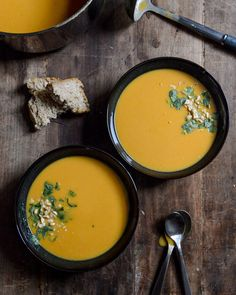 butternut squash soup. This is the time of year, for some homemade autumn nature loving, soups to down with enthusiasm folks. Soups for the soul. ( literally speaking);)