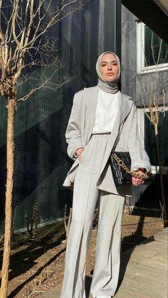 Stylish Hijab, Modest Fashion Hijab, Modern Hijab Fashion, Street Hijab Fashion, Modesty Fashion, Hijab Fashion Inspiration, Teen Fashion Outfits, Muslim Fashion, Mode Inspiration