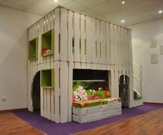 DIY Pallets Kids Play Center from Pallets via http://diypallets.com
