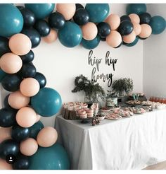 First birthday party table setting blue and pink balloons Sweet 16 Parties, Grad Parties, Balloon Decorations, Birthday Decorations, Balloon Garland, Silvester Party, Festa Party, Party Party, 16th Birthday