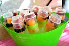 {Party on a Budget} Ideas for Serving Summer Snacks Snacks Für Party, Party Party, Party Ideas, Beach Party, Party Time, Party Favors, Push Pop Containers, Push Up Pops, Budget
