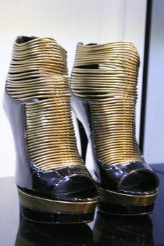 versace shoes O_O