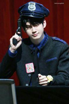 Wanna-One - Ong Seongwoo Ulzzang, Kpop Amino, Ong Seung Woo, Shared Folder, Kim Jaehwan, Ji Sung, Seong, Your Music, Korean Boy Bands