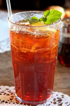 Paula Deen's sweet tea....I love making this!!!! Boil 4 cups water,steep 7 tea bags in water for 1 hour,put in pitcher and mix in 1 cup sugar, then 4 cups cold water. Add lemon wedges if you like!
