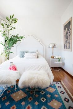 Get inspired with bedroom ideas and photos for your home refresh or remodel. offers thousands of design ideas for every room in every style. Use these beautiful bedrooms as inspiration for your own fabulous scheme. Bohemian Bedrooms, Boho Room, Vintage Teen Bedrooms, Cool Girl Bedrooms, Girls Bedroom, Home Bedroom, Bedroom Decor, Childs Bedroom, Bedroom Ideas
