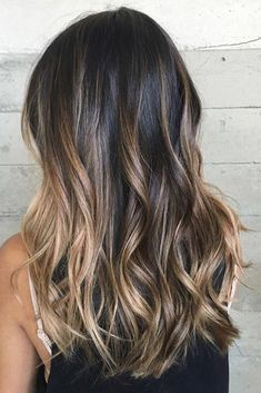 Balayage is the most popular hairstyle at present. In addition to ombre hairstyles or Brazilian hairstyles, balayage hairstyles dominate the dominant hairstyle trend. So what are balayage hairstyles and why are they so popular? Brown Hair Shades, Brown Ombre Hair, Ombre Hair Color, Light Brown Hair, Hair Color Balayage, Brown Hair Colors, Blonde Ombre, Balayage Brunette, Balayage Dark Brown Hair
