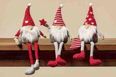 30 nápadů na vánoční dekorace za pár korun Decoration, Diy And Crafts, Christmas Ornaments, Holiday Decor, Handmade, Bricolage Noel, Decor, Hand Made, Christmas Jewelry