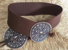Cinturón elástico repujado chocolate