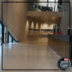 Betonboden schleifen, Detailpolieren und Imprägnieren - so erhält man eine schöne Terrazzofläche.  Stone Care verwendet www.stone-finish.com Steinpflegechemie Basketball Court, Stones, Nice Asses