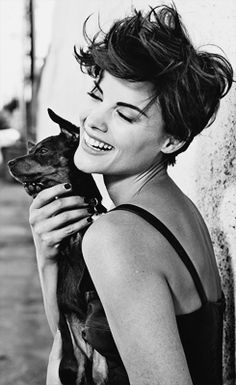 19-20/50 → Jaimie Alexander - Short Hair