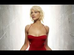 ▶ Top 10 Sexy Sci-Fi Babes