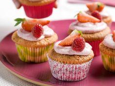 Aardbeicupcakes met frambozencrème - Libelle Lekker!