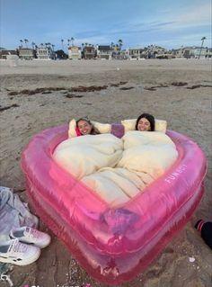 Cute Friend Pictures, Best Friend Pictures, Cute Pictures, Summer Feeling, Summer Vibes, Cute Friends, Best Friends, Photographie Indie, Summer Goals