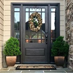 39 Elegant Front Door Colors That Make a Bright First Impression Front Door Entrance, Exterior Front Doors, House Front Door, Front Door Decor, Wreaths For Front Door, Entry Doors, Entry Door With Sidelights, Entryway, Doorway