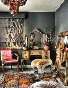 Eclectic Decor 88437 The Unique & Glamorous Maximalist Home of Sarah Parmenter Upcyclist Extraordinaire - The Interior Editor Upcycled Furniture, Unique Furniture, Reclaimed Furniture, Pipe Furniture, Furniture Vintage, Furniture Design, Rooms Furniture, Luxury Furniture, Casa Art Deco
