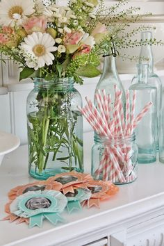 Blue Mason Jars are perfect for holding party supplies and tableware, like straws and silverware. ~MWP, - VIBEKE DESIGN: Snart klar for den store festen!