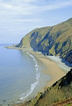 Rugged coastline lies close to the villages of Lynmouth and Lynton in the Exmoor National Park, North Devon, England | Peter on flickr