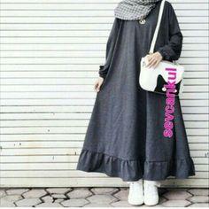 Hijab dress, # dress # hijab Source by hijabnours dresses hijab Abaya Fashion, Modern Hijab Fashion, Modest Fashion, Fashion Dresses, Mode Abaya, Mode Hijab, Casual Hijab Outfit, Hijab Chic, Muslim Dress