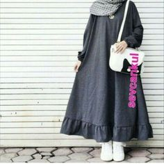Hijab dress, # dress # hijab Source by hijabnours dresses hijab Modern Hijab Fashion, Abaya Fashion, Modest Fashion, Fashion Dresses, Mode Abaya, Mode Hijab, Muslim Dress, Hijab Dress, Moslem Fashion