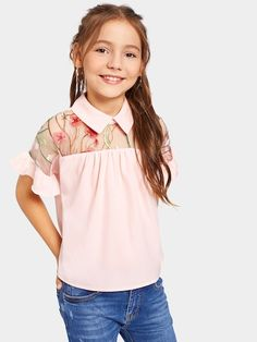 To find out about the Girls Embroidery Mesh Insert Ruffle Sleeve Blouse at SHEIN, part of our latest Girls Blouses ready to shop online today! Blouse Styles, Blouse Designs, Pleated Fabric, Girls Blouse, Blouse Online, Summer Shirts, Pink Fashion, Girls Shopping, Printed Blouse