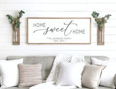 living room wall decor ideas above couch farmhouse ! wohnzimmer wanddekoration ideen über couch bauernhaus living room wall decor ideas above couch farmhouse ! Above Couch Decor, Above Headboard Decor, Mirror Above Couch, Bedroom Wall Decor Above Bed, Bedroom Signs, Sweet Home, Farmhouse Wall Art, Farmhouse Decor, Modern Farmhouse