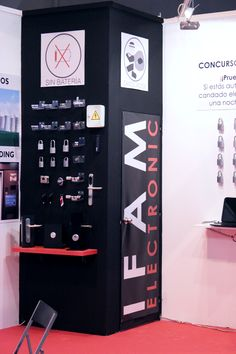 Expositor de producto Stand SICUR 2014