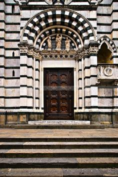 ♅ Detailed Doors to Drool Over ♅ art photographs of door knockers, hardware & portals - Stripes - Pistoia, Italy Beautiful Architecture, Architecture Details, Architecture Interiors, Must See Italy, Culture Of Italy, Door Picture, Door Images, Property Real Estate, Cool Doors