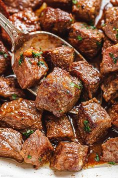 Garlic Butter Steak Bites - - Packed with flavor and so easy to make! These garlic butter steak bites are crazy delicious. - by dishes Garlic Butter Steak Bites Beef Recipes, Cooking Recipes, Healthy Recipes, Rump Steak Recipes, Steak Dinner Recipes, Game Recipes, Lunch Recipes, Delicious Recipes, Recipies