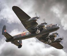 BBMF Avro Lancaster Bomber soaring over Shuttleworth Airshow Sony tele converter iso Aircraft Photos, Ww2 Aircraft, Fighter Aircraft, Military Aircraft, Fighter Jets, Lancaster Bomber, Lancaster Plane, Image Avion, Aviation World