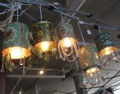 DIY Vintage tea tin pendant lights: Just buy a low-wattage lamp kit, drill a hole the appropriate size in the bottom of the tin, wire it, attach pendants & voila! Vintage Tea, Upcycled Vintage, Repurposed, Recycled Cans, Wedding Vintage, Tin Can Lights, Can Lanterns, Recycling, Tin Can Crafts