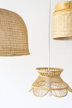 How to Make a Basket Pendant Light - Dalla Vita How to Make a Basket Pendant Light - Dalla Vita<br> Who doesn't love a good pendant, basket light? Well we sure do and we put together a short tutorial to show just how easy it can be to make your own. Diy Pendant Light, Pendant Lighting, Pendant Lamps, Chandelier, Diy Light Shade, Basket Lighting, Lighting Ideas, Rustic Baskets, Make A Lamp