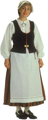 Siikajokilaakson naisen kansallispuku. Kuva © Helmi Vuorelma Oy Folk Costume, Costumes, Traditional, Embroidery, Folklore, Europe, Dresses, Beauty, Fashion