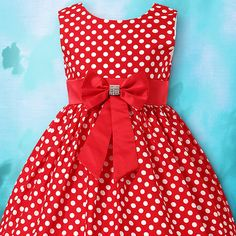Sweet red polka dot dress for girls. Little Dresses, Little Girl Dresses, Girls Dresses, Red Polka Dot Dress, Kids Frocks, Frock Design, Girl Doll Clothes, Kind Mode, Dress Patterns